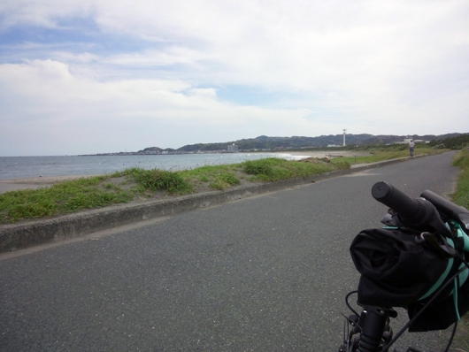 国道からは見えない海沿いの道