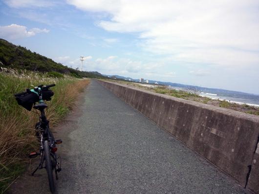 F6Fと海沿いの道