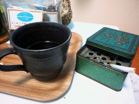 至福のひと時 フランドリア・ブラック(FLANDRIA BLACK)& コーヒー(タンザニア)