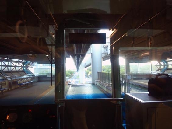 千葉都市モノレール 先頭車の車窓