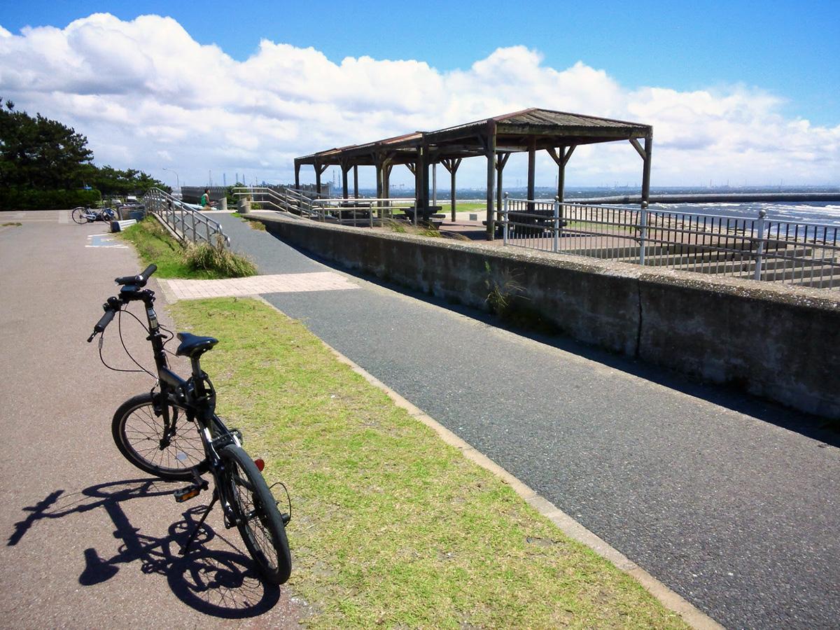 シルヴァF6F:花見川サイクリングコース、スタート地点(稲毛海浜公園方向)