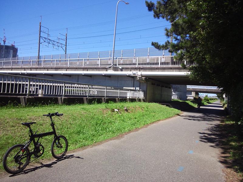 シルヴァF6F 花見川サイクリングコース 京葉線アンダーパス(北磯辺第4公園)