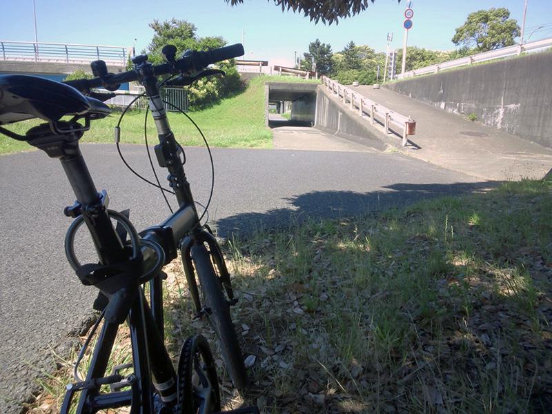 シルヴァF6F 花見川サイクリングコース 真砂大橋、国道357号、東関東自動車道 アンダーパス(手づくり公園まさごの手前)