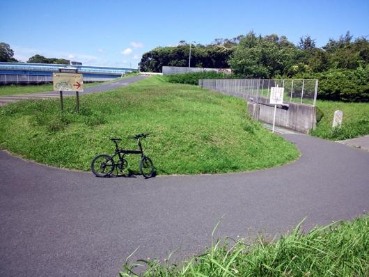シルヴァF6F 花見川サイクリングコース 国道14号線アンダーパス (01)