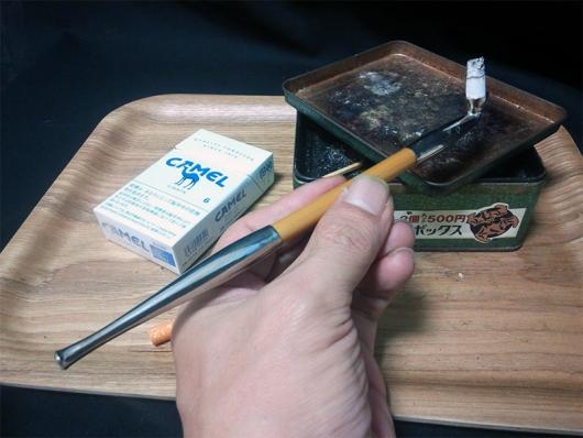 煙管(キセル)で吸うキャメル・ライト