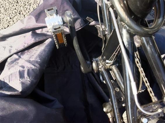 輪行バッグと折りたたみペダル